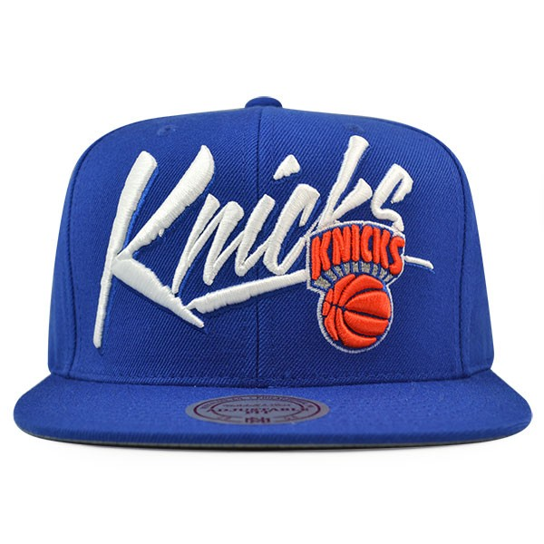 c90b594c928 New York Knicks Mitchell   Ness VICE SCRIPT Snapback NBA Adjustable ...